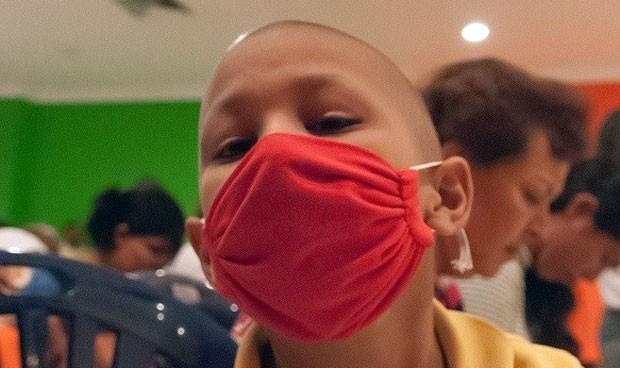 Investigadores logran frenar uno de los cánceres infantiles más letales
