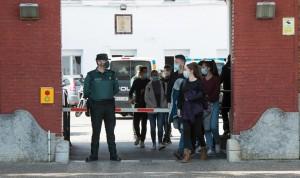 Investigan el retraso en la vacunación de policías y guardias civiles