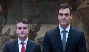 Iván Redondo se compromete a efectuar la subida de sueldo del 2% en sanidad