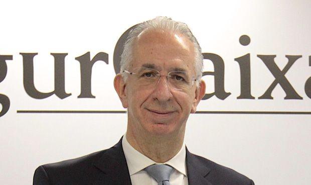 Adeslas asegurará a los 17.000 empleados de Repsol en España