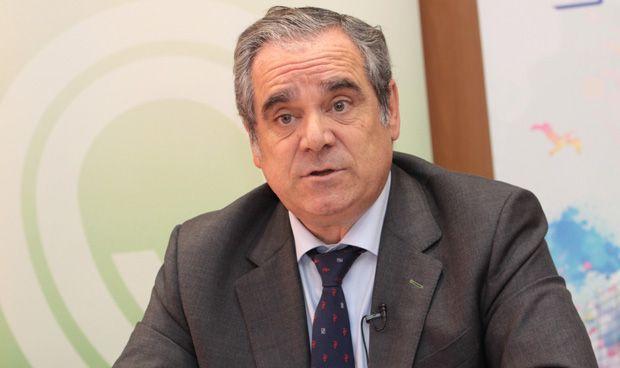 Jesús Aguilar destaca la implantación de los servicios profesionales en las farmacias españolas