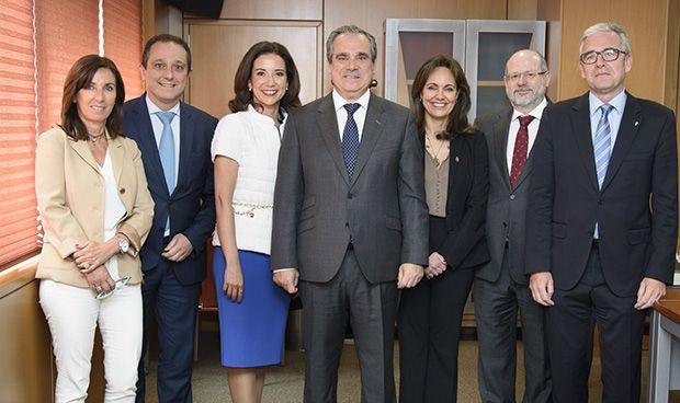 Jesús Aguilar revalida la presidencia de los farmacéuticos españoles