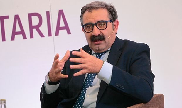 """Jesús Fernández: """"No hay banquillo ni cantera de altos cargos sanitarios"""""""