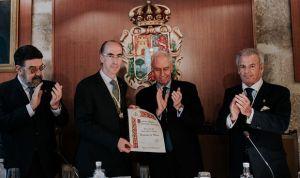 Jesús Vázquez Almuiña ingresa en la Academia Médico-Quirúrgica de España