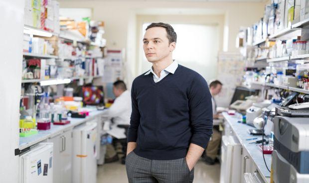 Jim Parsons (Sheldon Cooper en Big Bang Theory) se pasa a la Medicina