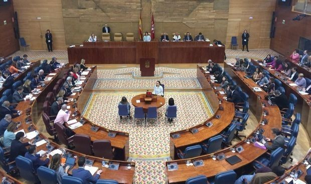 Jornada de debut en la Comisión de Sanidad de la Asamblea de Madrid