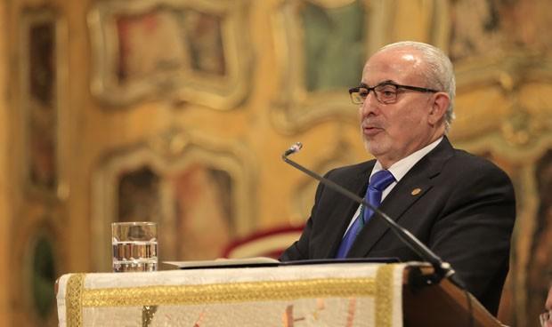 El presidente de la UCAM lanza una nueva teoría conspirativa sobre la vacuna del Covid