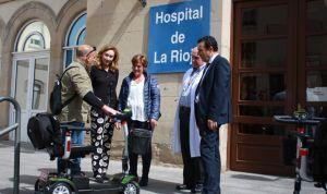 Jóvenes con cáncer donan 3 vehículos para personas con movilidad reducida