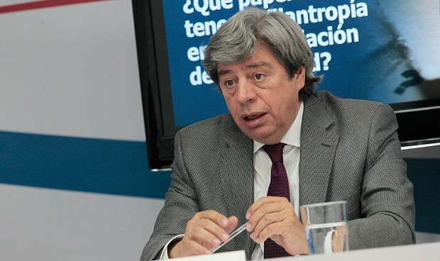 El oncólogo Juan Jesús Cruz se jubila