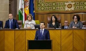 """Juanma Moreno promete más sueldo y """"menos rotación"""" en la sanidad andaluza"""