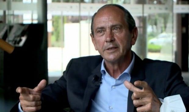 La jubilación del oncólogo médico García Girón se discute en change.org