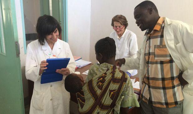 La AEDV premia un proyecto solidario del Hospital de Móstoles en Malawi