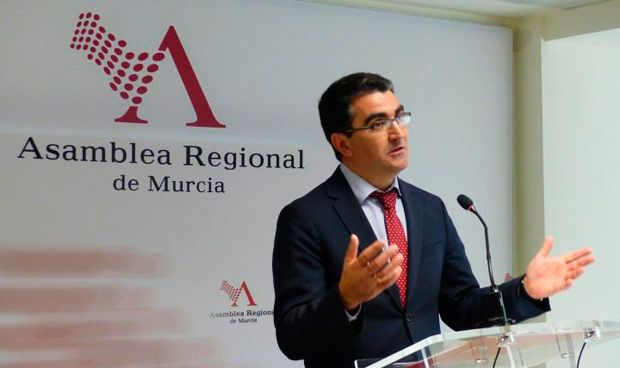 La Asamblea de Murcia aprueba ofrecer apoyo a los afectados por iDental