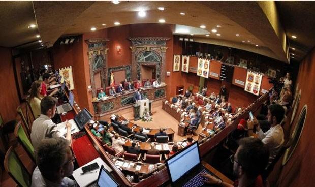 La Asamblea rechaza investigar la licitación y adjudicación de ambulancias