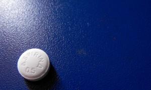 La aspirina eleva el riesgo de hemorragia intracraneal