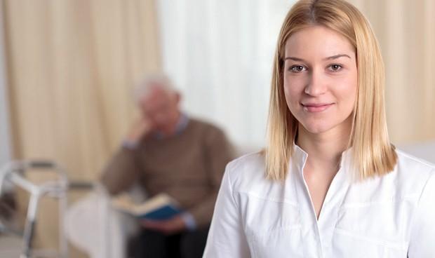 La atención enfermera en el párkinson, eje de conexión entre profesionales