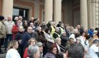 "La calle protesta contra el colapso catalán: ""La lista de espera mata"""
