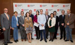 La Cátedra Asisa beca los mejores expedientes académicos con 7.000 euros