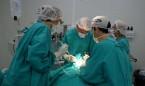 La cirujana más longeva del mundo tiene 89 años y opera cuatro veces al día
