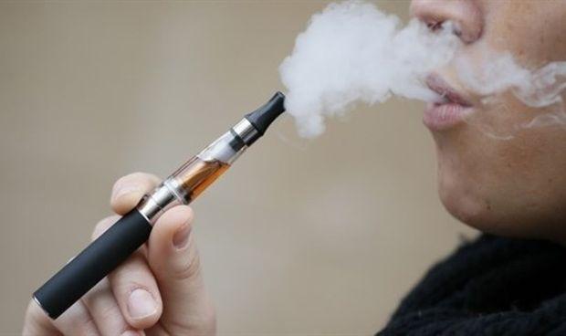 La CNMC cree que la nueva 'Ley Antitabaco' no protege la salud pública