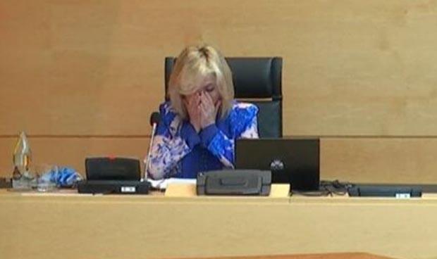La consejera Verónica Casado rompe a llorar en plena comparecencia