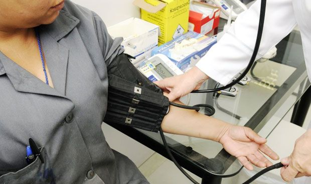La crisis también afecta a la salud: sube la presión arterial y la glucosa