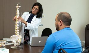 La detenida por falsos tratamientos es la popular científica Almudena Ramón