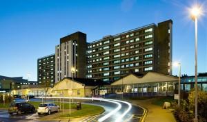 La enfermera escocesa que contrajo el ébola, madre de gemelos