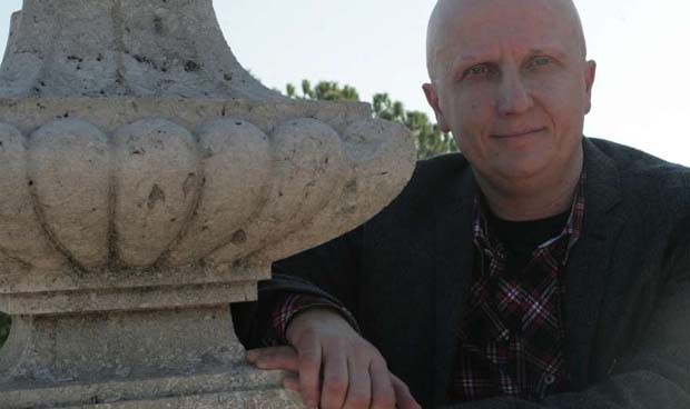 La estafa del 'hombre de los 2.000 tumores': 250.000 euros y vida de lujo