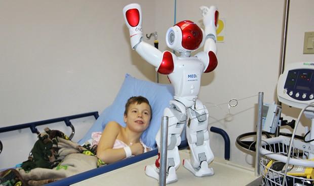 La Eurocámara, preocupada porque los niños se encariñen de robots médicos