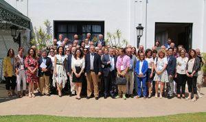 La experiencia internacional prueba el papel clave de la farmacia en AP