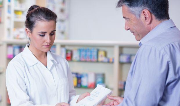 La Farmacia española certifica que la universalidad mejora sus beneficios