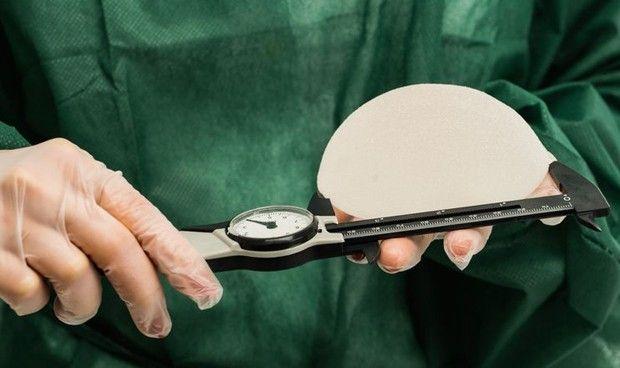 La FDA niega que los implantes mamarios causen esclerodermia