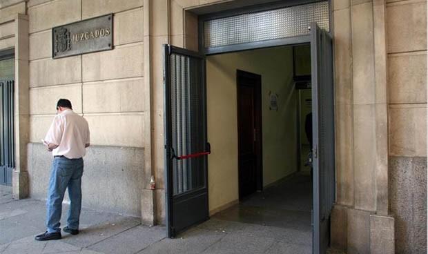 La Fiscalía denuncia a un médico 'chamán' por extorsionar a sus pacientes