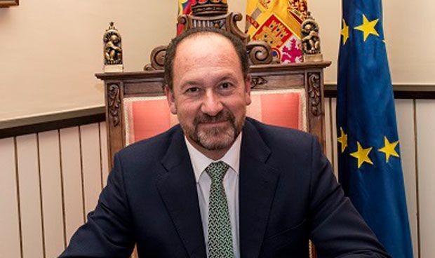 La Fiscalía estudiará si Emilio Bascuñana cobró sin ejercer un cargo médico