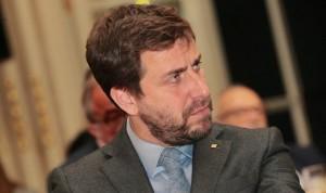 La Fiscalía pide la orden de detención internacional contra Antoni Comín