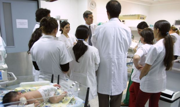 La formación MIR no da derecho a cobrar el paro a los médicos extranjeros
