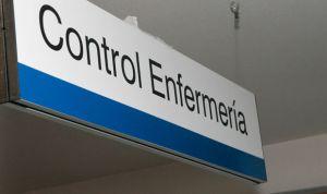 """La frustración enfermera se hace viral: """"Os mean encima y dicen que llueve"""""""