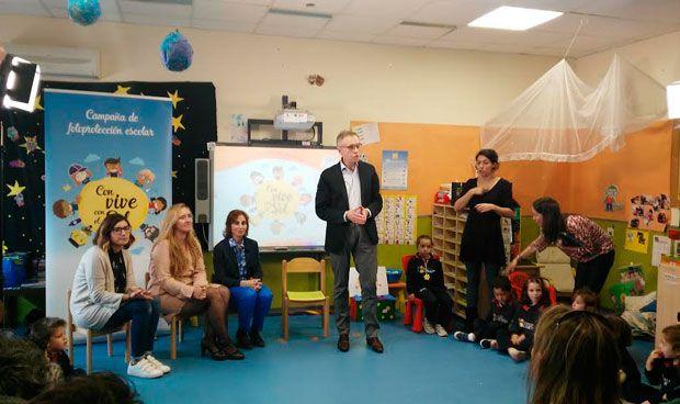 La Fundación Piel Sana educa sobre fotoprotección a niños y padres