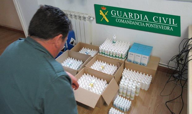 La Guardia Civil incauta más de 100 litros de productos para fabricar MMS