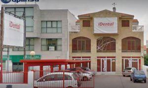 La Guardia Civil registra clínicas de iDental e incauta historiales médicos