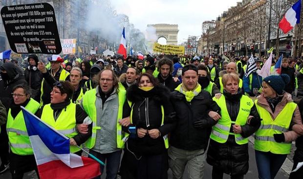 La 'huida' de los médicos europeos por los chalecos amarillos