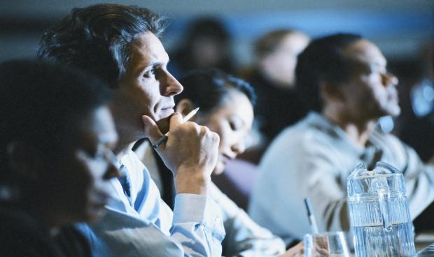 La industria consigue más del médico si le paga por dar una conferencia