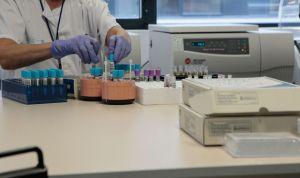 La industria farmacéutica sube su apuesta por la I+D: invierte un 10% más