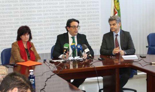 La Junta subvenciona a 28 asociaciones de pacientes por 423.000 euros