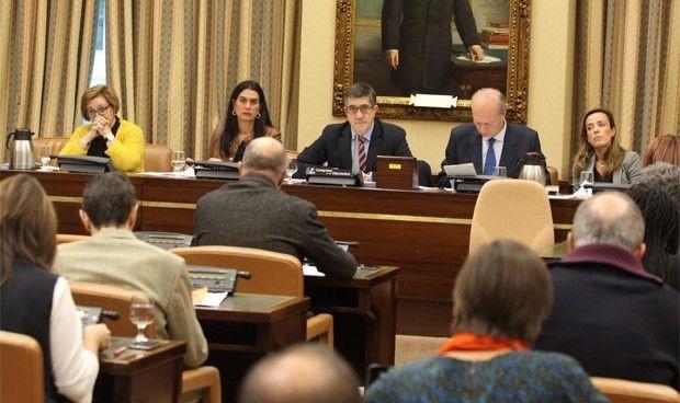 La Ley de Sanidad Universal recibe 52 enmiendas para modificar su texto