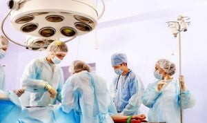 La mitad de los profesionales no volvería a estudiar la carrera de Medicina