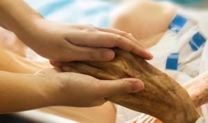 La mitad de pacientes que necesitan cuidados paliativos no los reciben