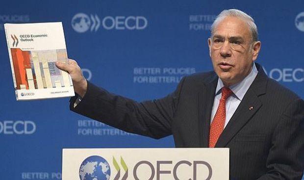 Toque de la OCDE a España por la temporalidad y los sueldos de sus médicos