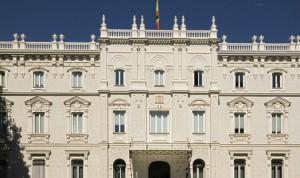 La OMC planta cara a la Fiscalía en defensa de los colegios profesionales